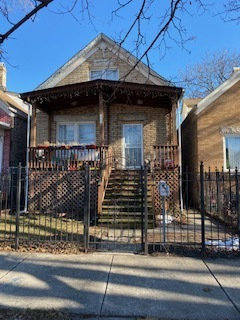 Photo of 1733 N Ridgeway Avenue, Chicago, IL 60647 (MLS # 10614298)