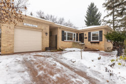 Photo of 403 W Manawa Trail, Mount Prospect, IL 60056 (MLS # 10616197)