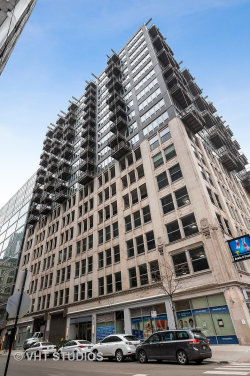 Photo of 565 W Quincy Street, Unit Number 811, Chicago, IL 60661 (MLS # 10618887)