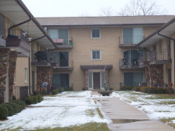 Photo of 6148 S Kensington Avenue, Unit Number 204, Countryside, IL 60525 (MLS # 10620109)