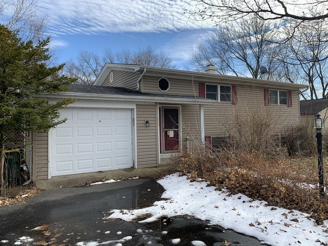 Photo for 115 Perth Road, Cary, IL 60013 (MLS # 10622877)