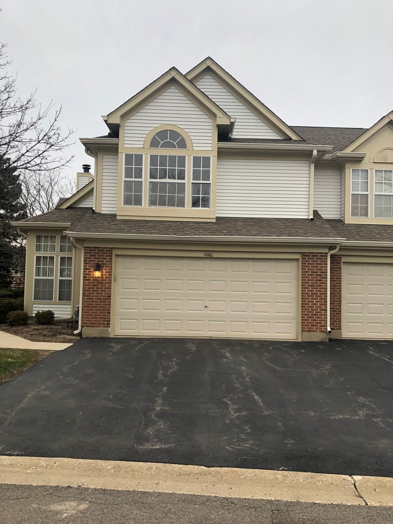Photo for 1660 Penn Court, Unit Number 1660, Crystal Lake, IL 60014 (MLS # 10626859)
