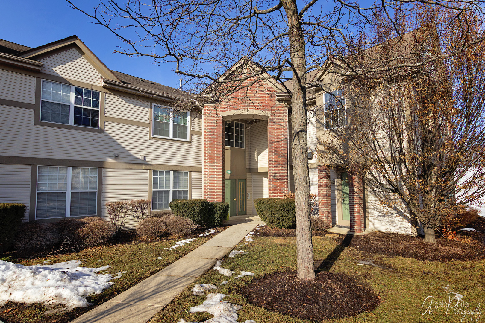 Photo for 1640 Carlemont Drive, Unit Number B, Crystal Lake, IL 60014 (MLS # 10627575)