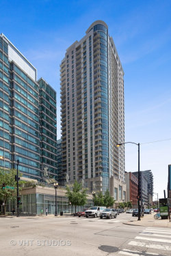 Photo of 125 S Jefferson Street, Unit Number 3008, Chicago, IL 60661 (MLS # 10630869)