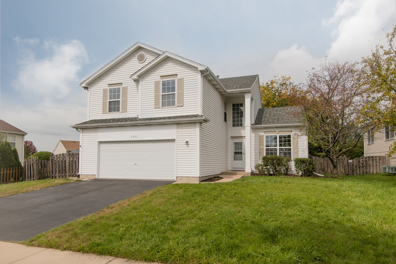 Photo for 2661 Melbourne Lane, Lake In The Hills, IL 60156 (MLS # 10632841)