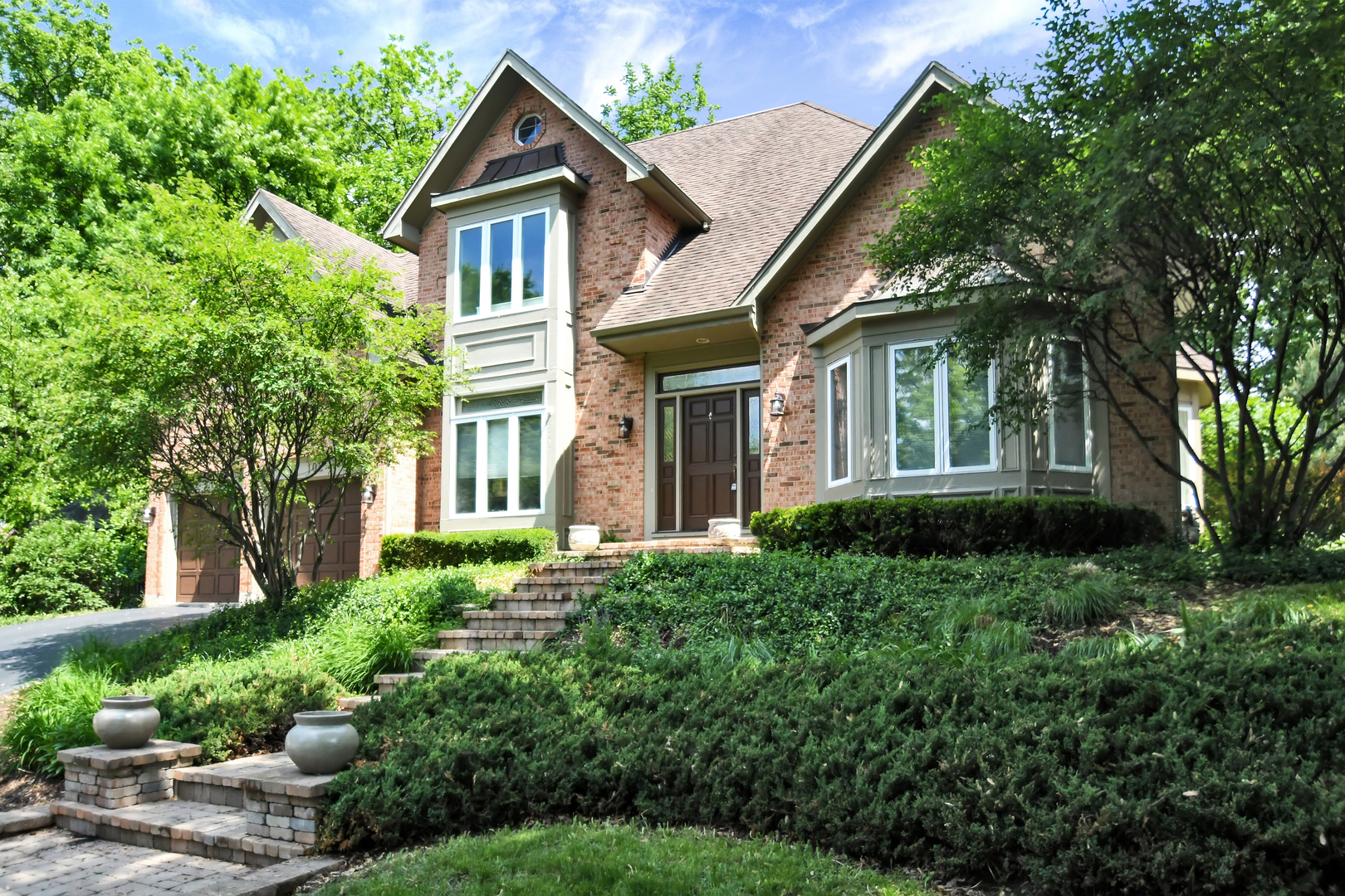 Photo for 102 Creekside Court, St. Charles, IL 60174 (MLS # 10633244)