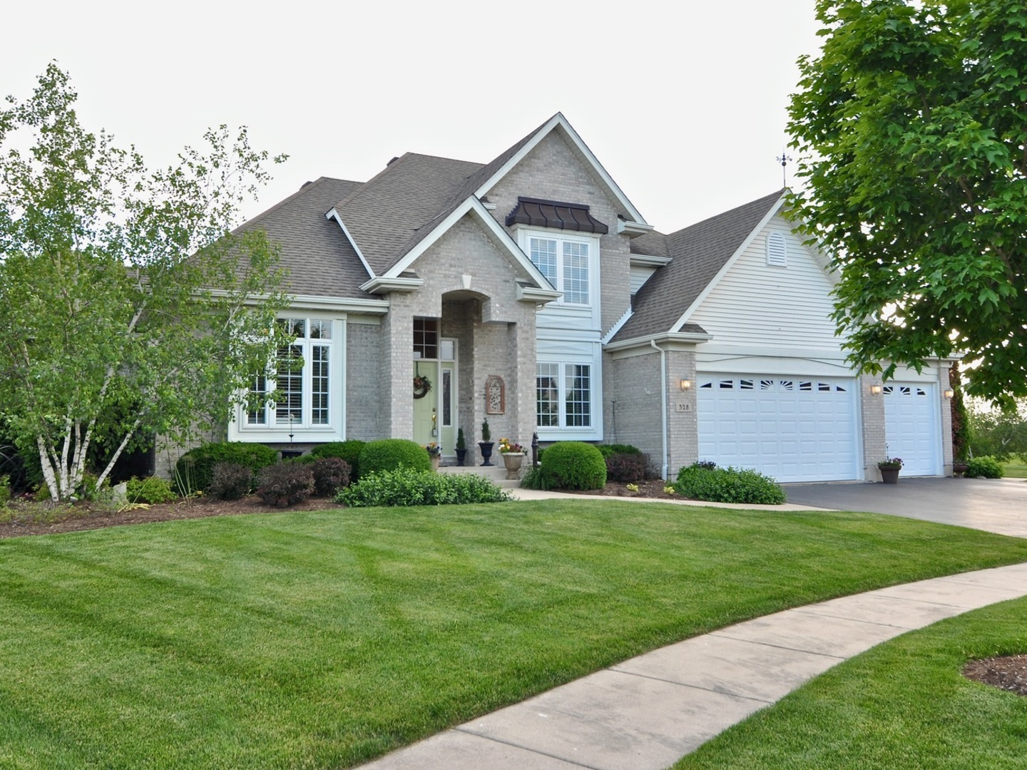 Photo for 328 Eli Barnes Court, Sycamore, IL 60178 (MLS # 10633899)