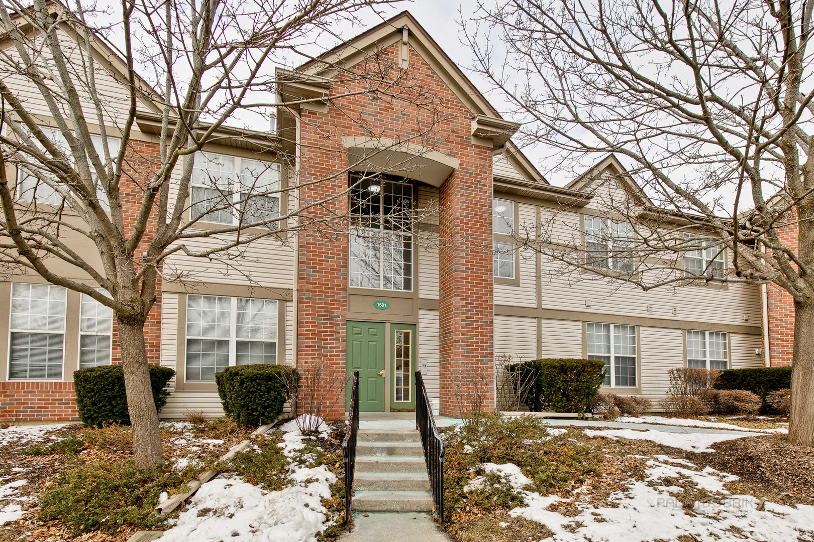 Photo for 1591 Carlemont Drive, Unit Number D, Crystal Lake, IL 60014 (MLS # 10634373)