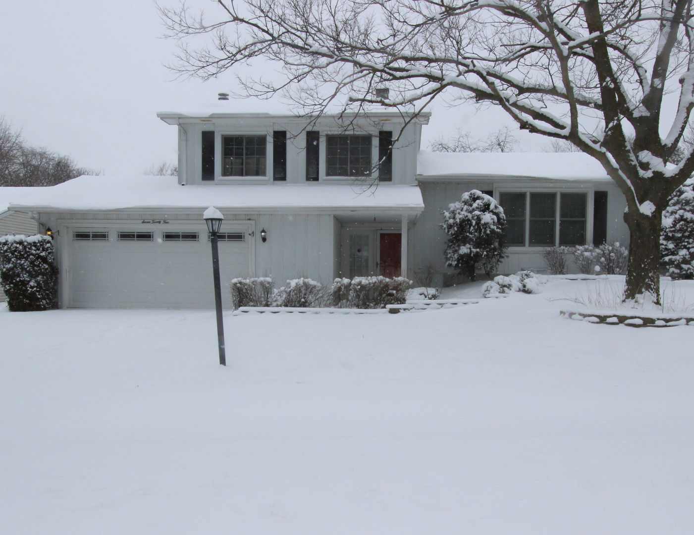 Photo for 724 W Main Street, Cary, IL 60013 (MLS # 10634421)