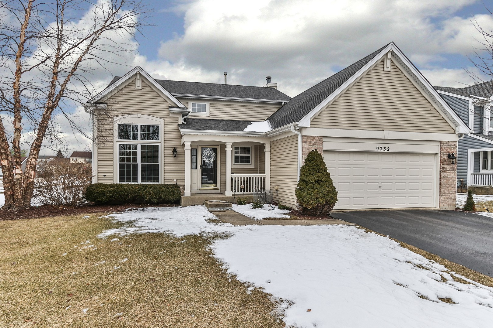 Photo for 9732 Chetwood Drive, Huntley, IL 60142 (MLS # 10636849)