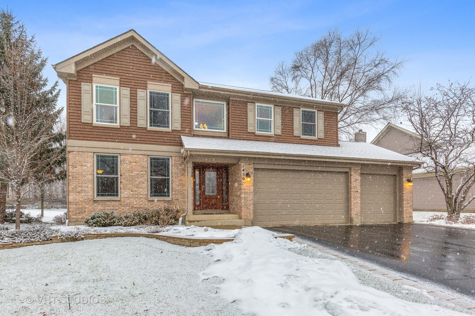 Photo for 1450 Notting Hill Road, Algonquin, IL 60102 (MLS # 10637228)