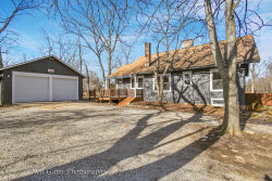 Photo of 34 S Lake Drive, West Chicago, IL 60185 (MLS # 10637688)