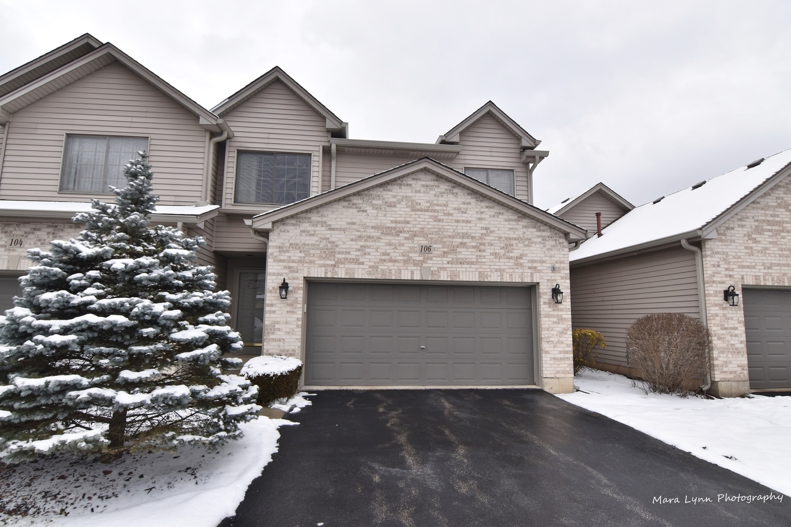 Photo for 106 Fawn Lane, Elgin, IL 60120 (MLS # 10637769)