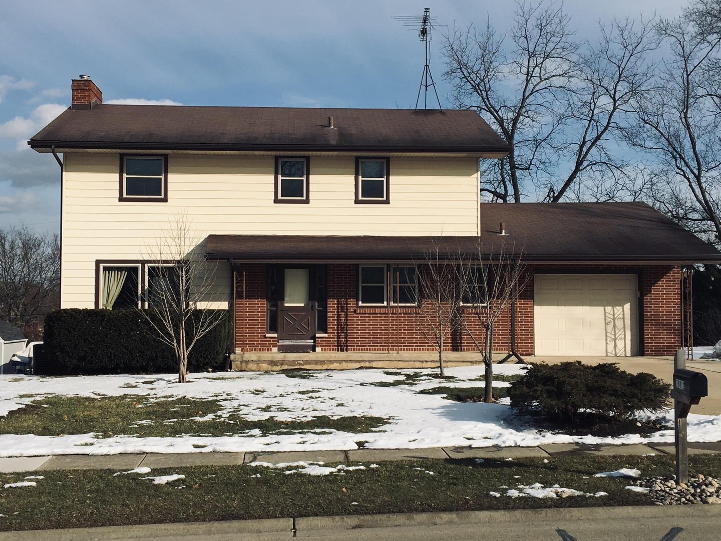 Photo for 10812 N Church Street, Huntley, IL 60142 (MLS # 10637859)
