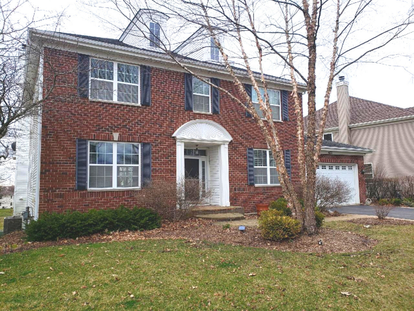 Photo for 401 Oakmont Drive, Cary, IL 60013 (MLS # 10637903)