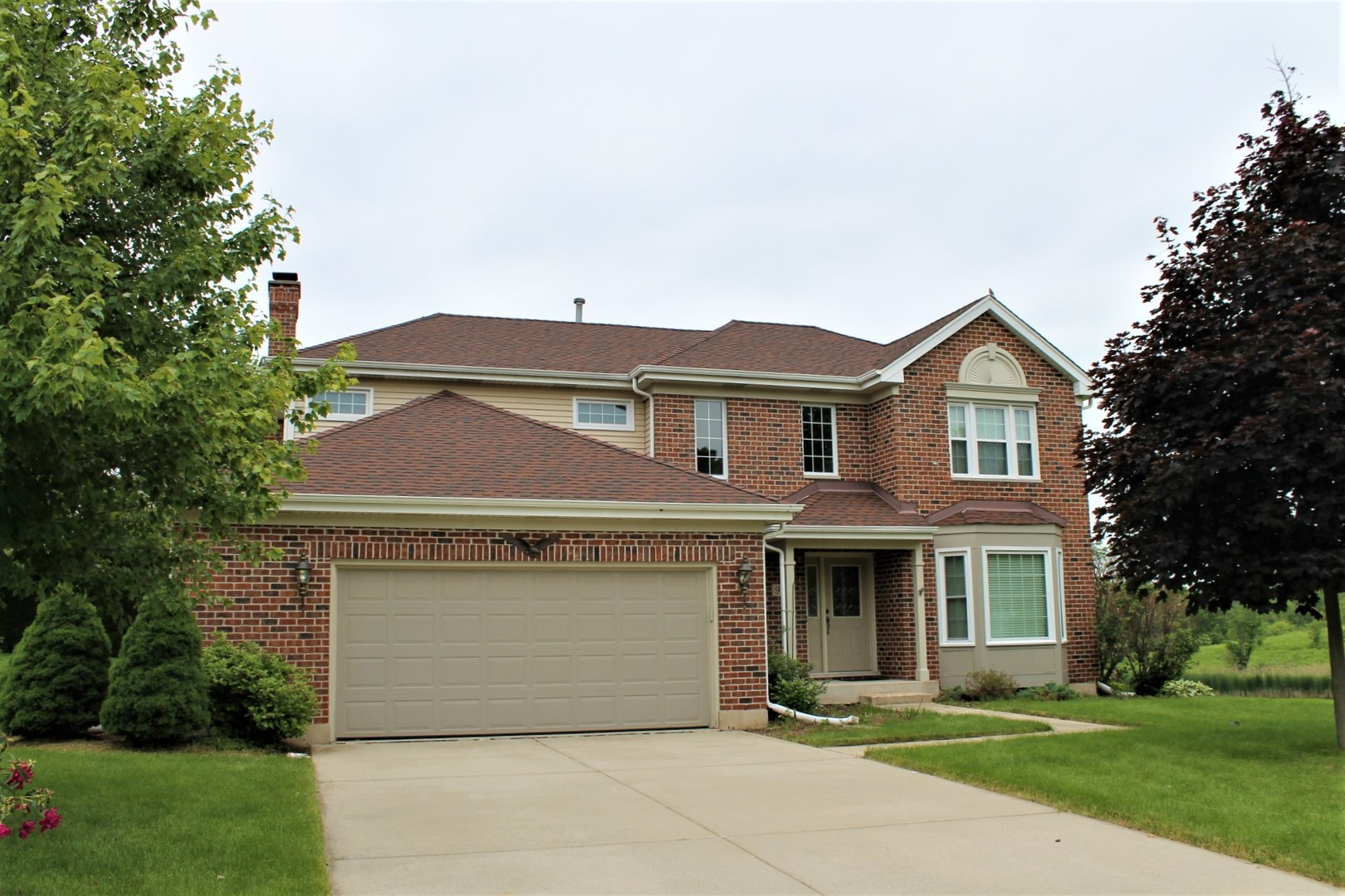 Photo for 90 Newberry Court, Elgin, IL 60124 (MLS # 10642323)