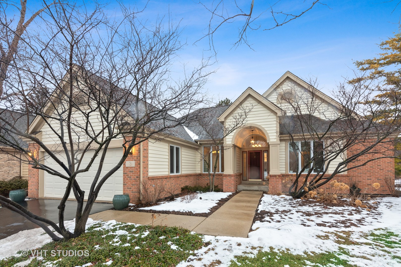 Photo for 3 Castle Pines Court, Lake In The Hills, IL 60156 (MLS # 10642378)