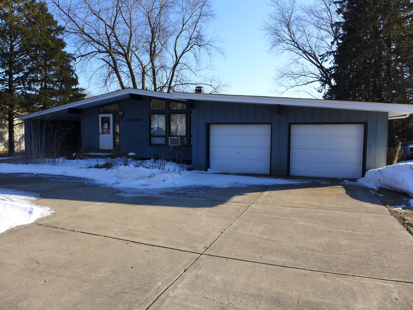 Photo for 32W695 Hecker Drive, Dundee, IL 60118 (MLS # 10647746)
