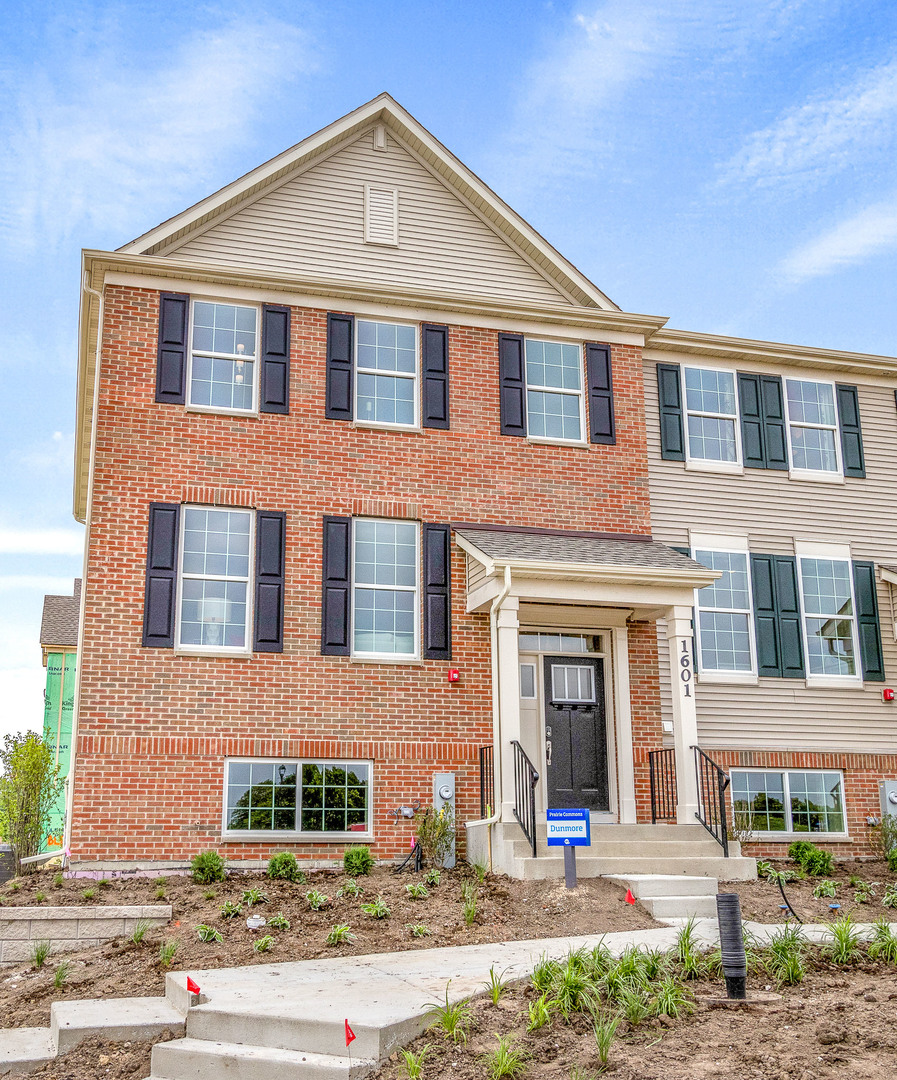 Photo for 1679 Carlstedt Drive, Batavia, IL 60510 (MLS # 10653213)