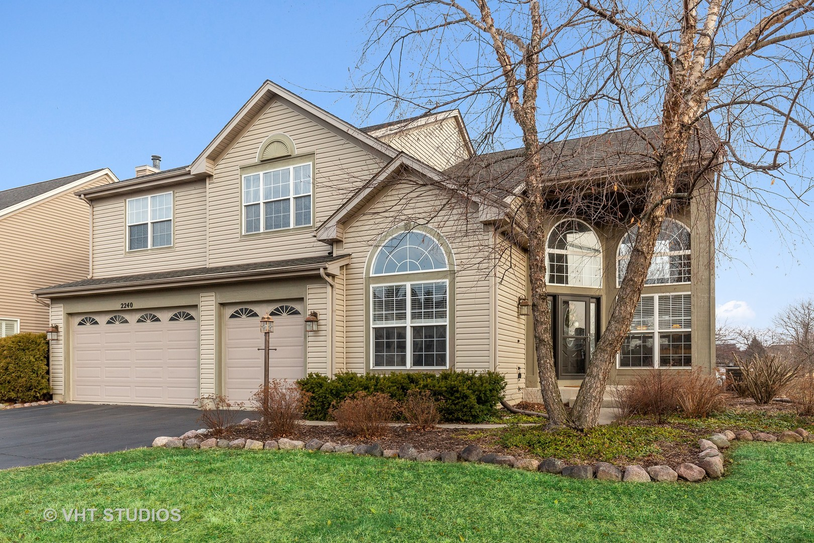 Photo for 2240 Moser Lane, Algonquin, IL 60102 (MLS # 10658074)