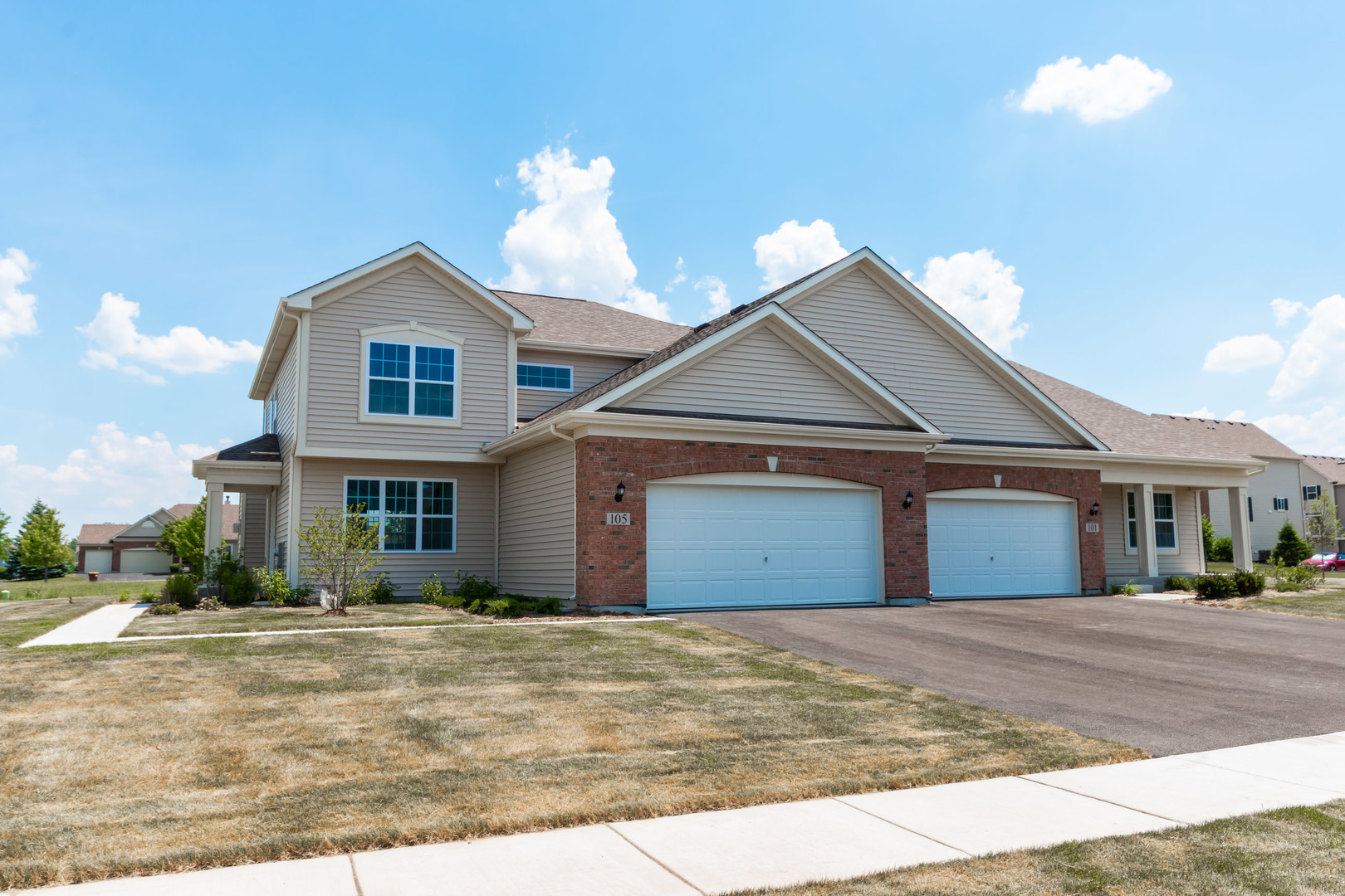 Photo for 105 Valencia Parkway, Gilberts, IL 60136 (MLS # 10660282)