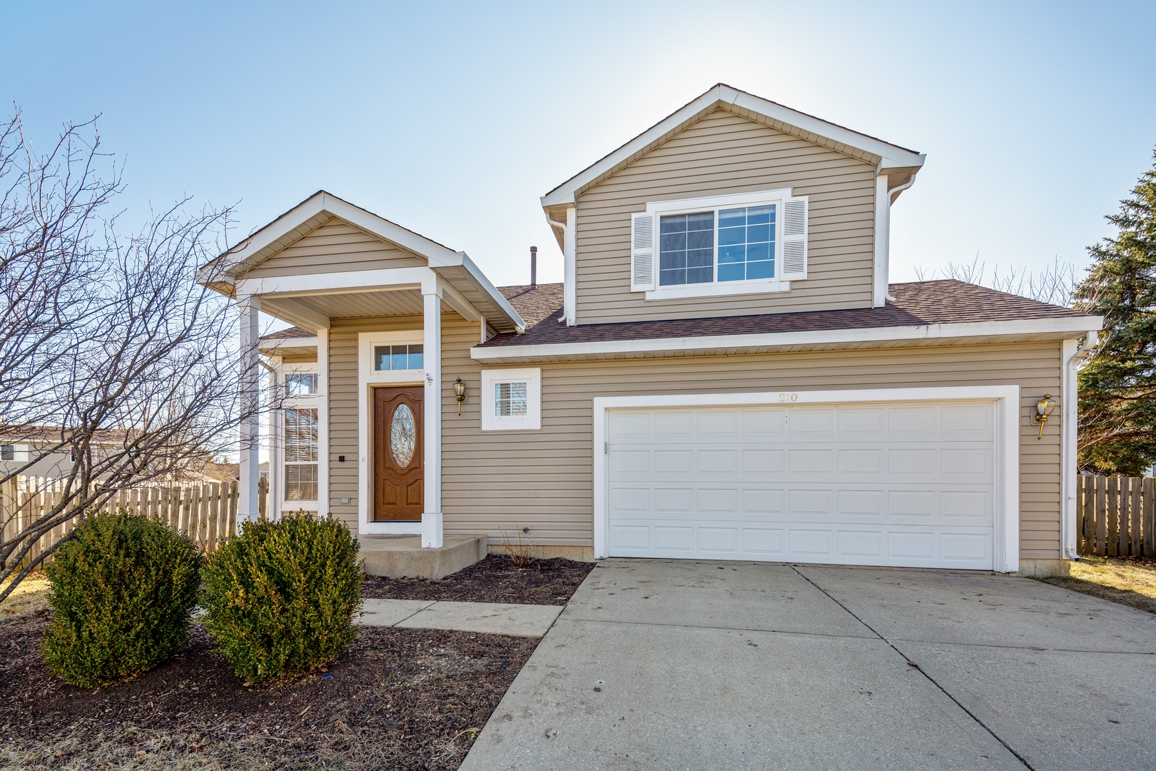 Photo for 210 Rainmaker Run, Lake In The Hills, IL 60156 (MLS # 10668121)