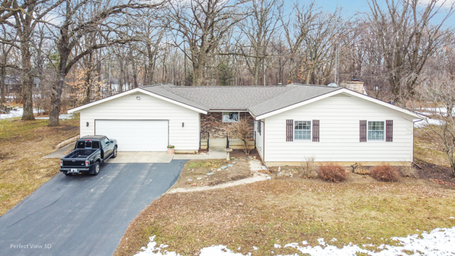 Photo for 14710 Pleasant Valley Road, Woodstock, IL 60098 (MLS # 10668561)