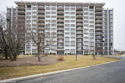 Photo of 8815 W Golf Road, Unit Number 3E, Niles, IL 60714 (MLS # 10672120)