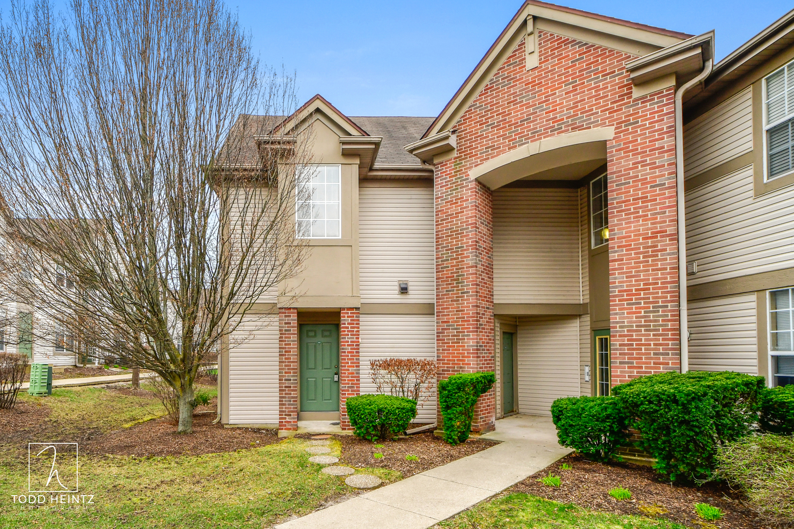 Photo for 1646 Carlemont Drive, Unit Number F, Crystal Lake, IL 60014 (MLS # 10677251)