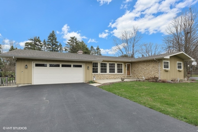 Photo for 9N733 Beckman Trail, Elgin, IL 60124 (MLS # 10682204)