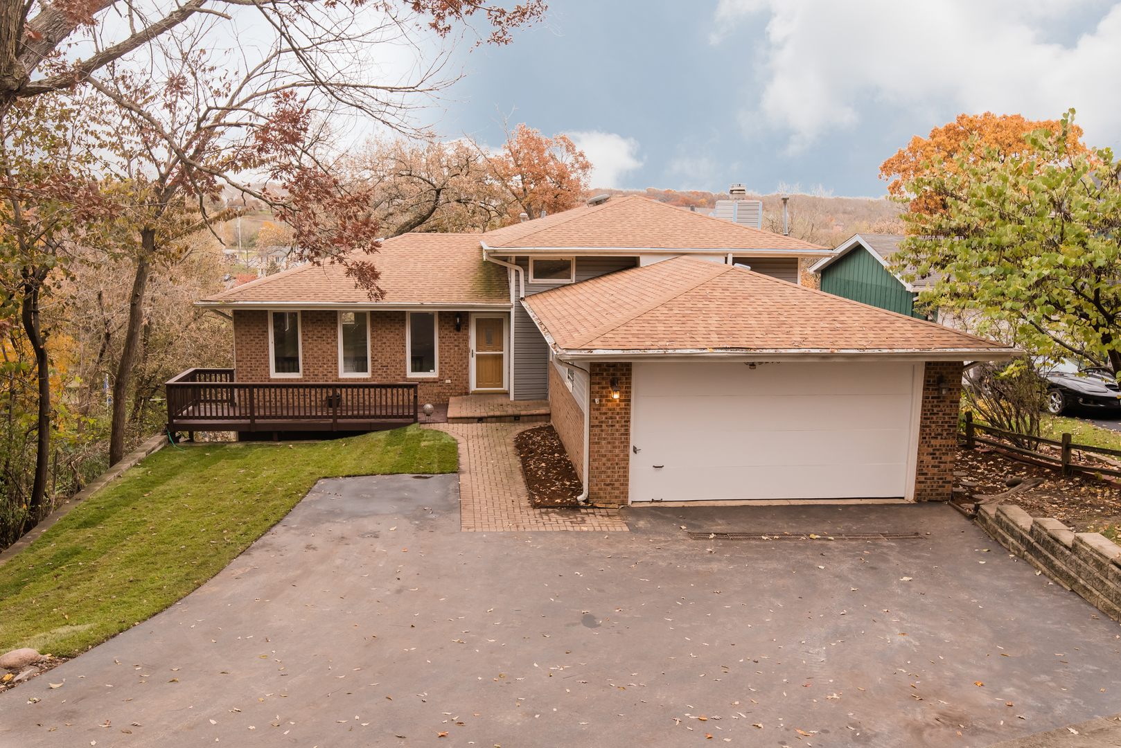 Photo for 296 Apache Trail, Lake In The Hills, IL 60156 (MLS # 10682624)