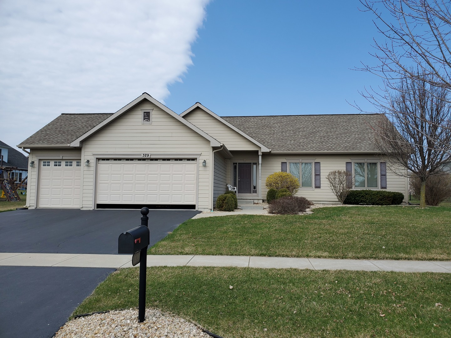 Photo for 329 White Street, Sycamore, IL 60178 (MLS # 10683140)