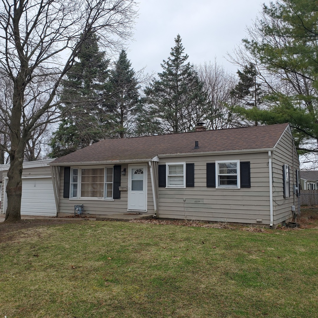 Photo for 23 Hill Drive, Crystal Lake, IL 60014 (MLS # 10683285)