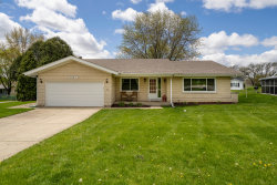 Photo of 952 Wiltshire Drive, McHenry, IL 60050 (MLS # 10712222)