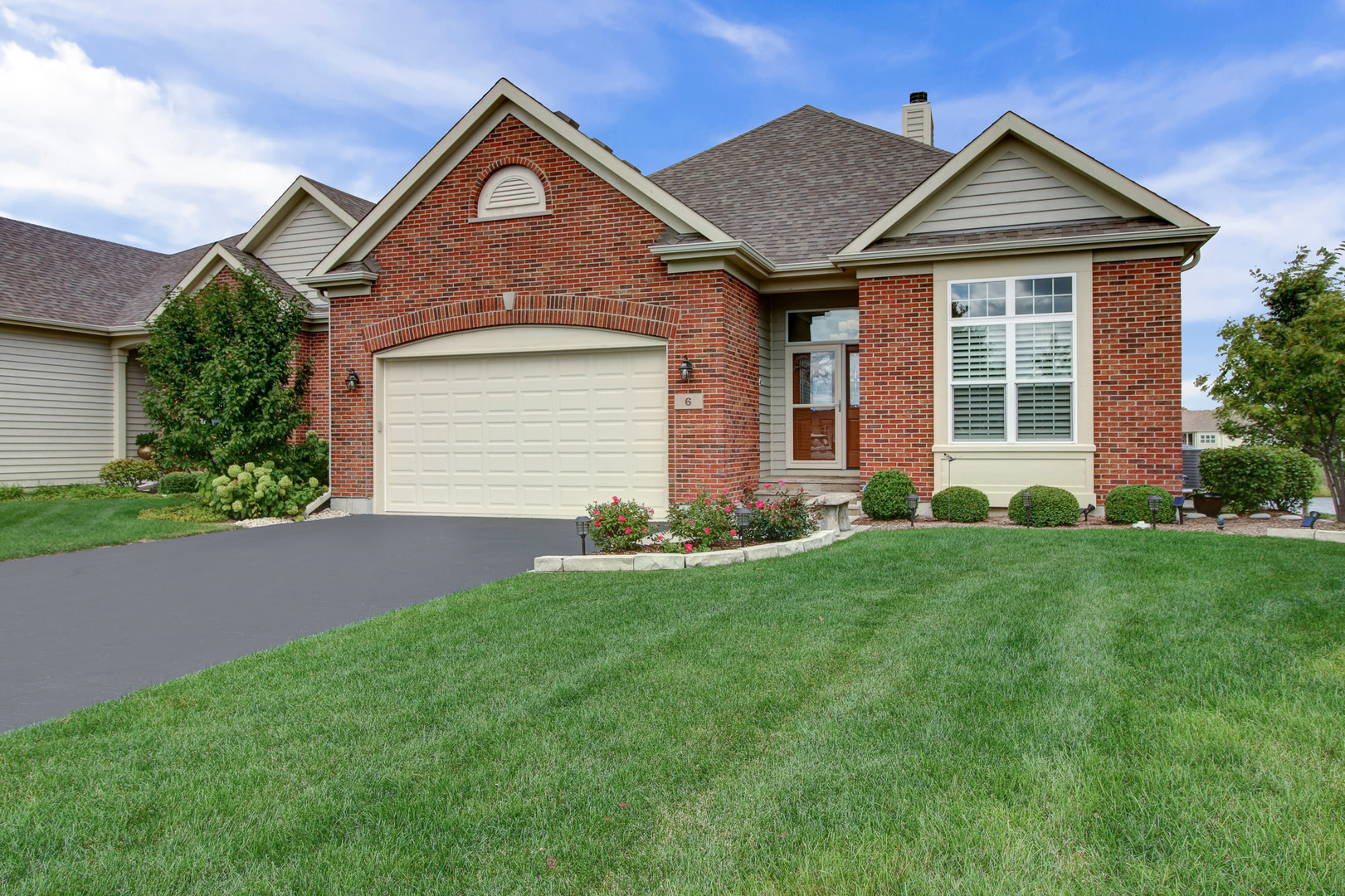 Photo for 6 Austrian Court, Lake In The Hills, IL 60156 (MLS # 10719731)