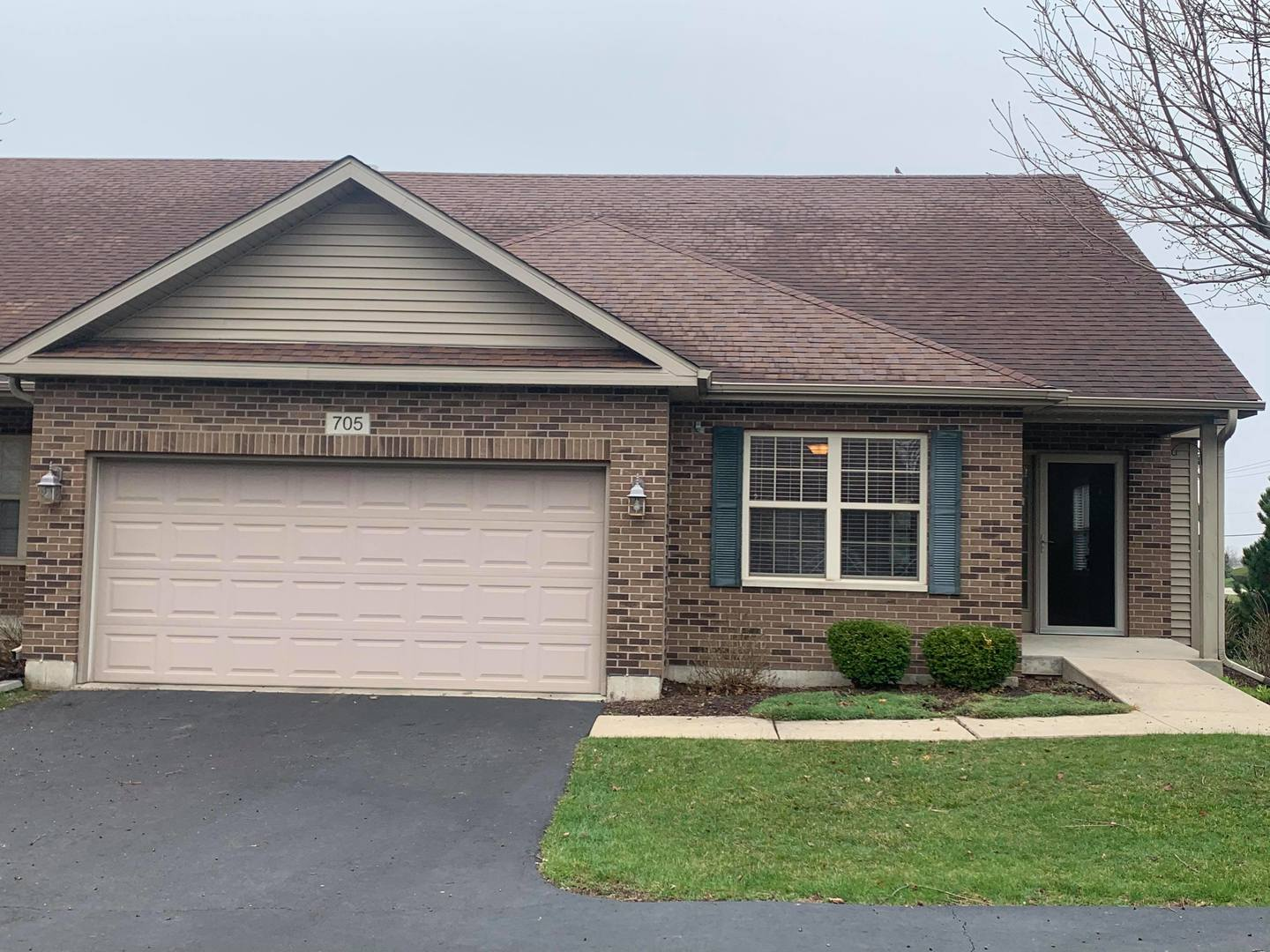 Photo for 705 Nancy Court, Sycamore, IL 60178 (MLS # 10719993)