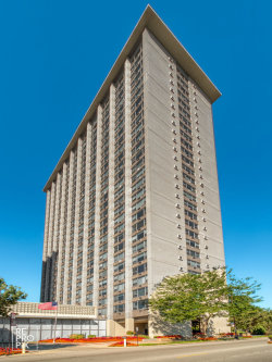 Photo of 3600 N Lake Shore Drive, Unit Number 815, Chicago, IL 60613 (MLS # 10724296)
