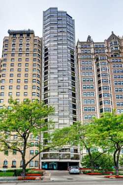 Photo of 1418 N Lake Shore Drive, Unit Number 4, Chicago, IL 60610 (MLS # 10725271)