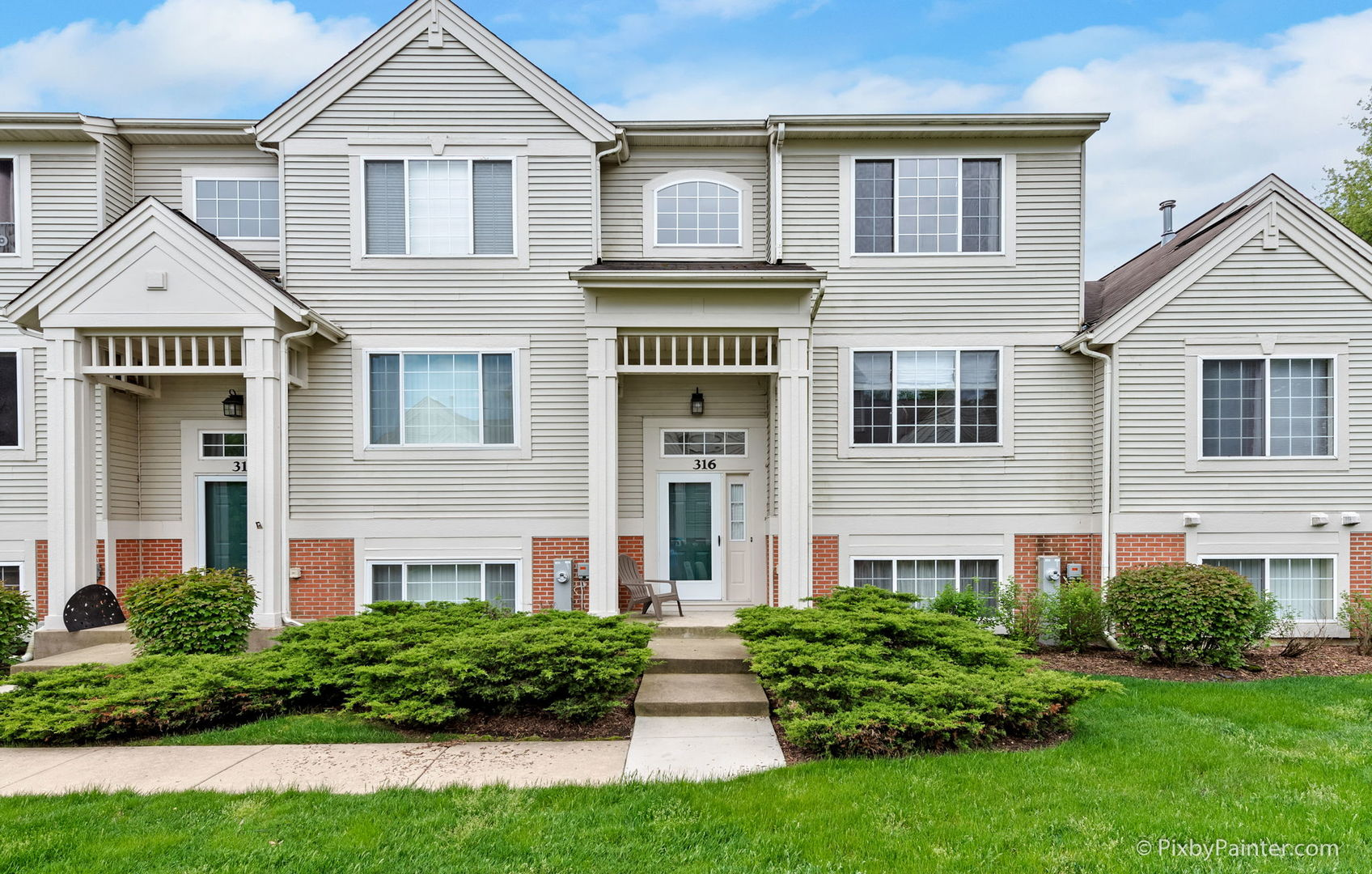 Photo for 316 New Haven Drive, Cary, IL 60013 (MLS # 10728463)