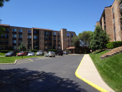 Photo of 502 W Huntington Commons Road, Unit Number 136, Mount Prospect, IL 60056 (MLS # 10730785)