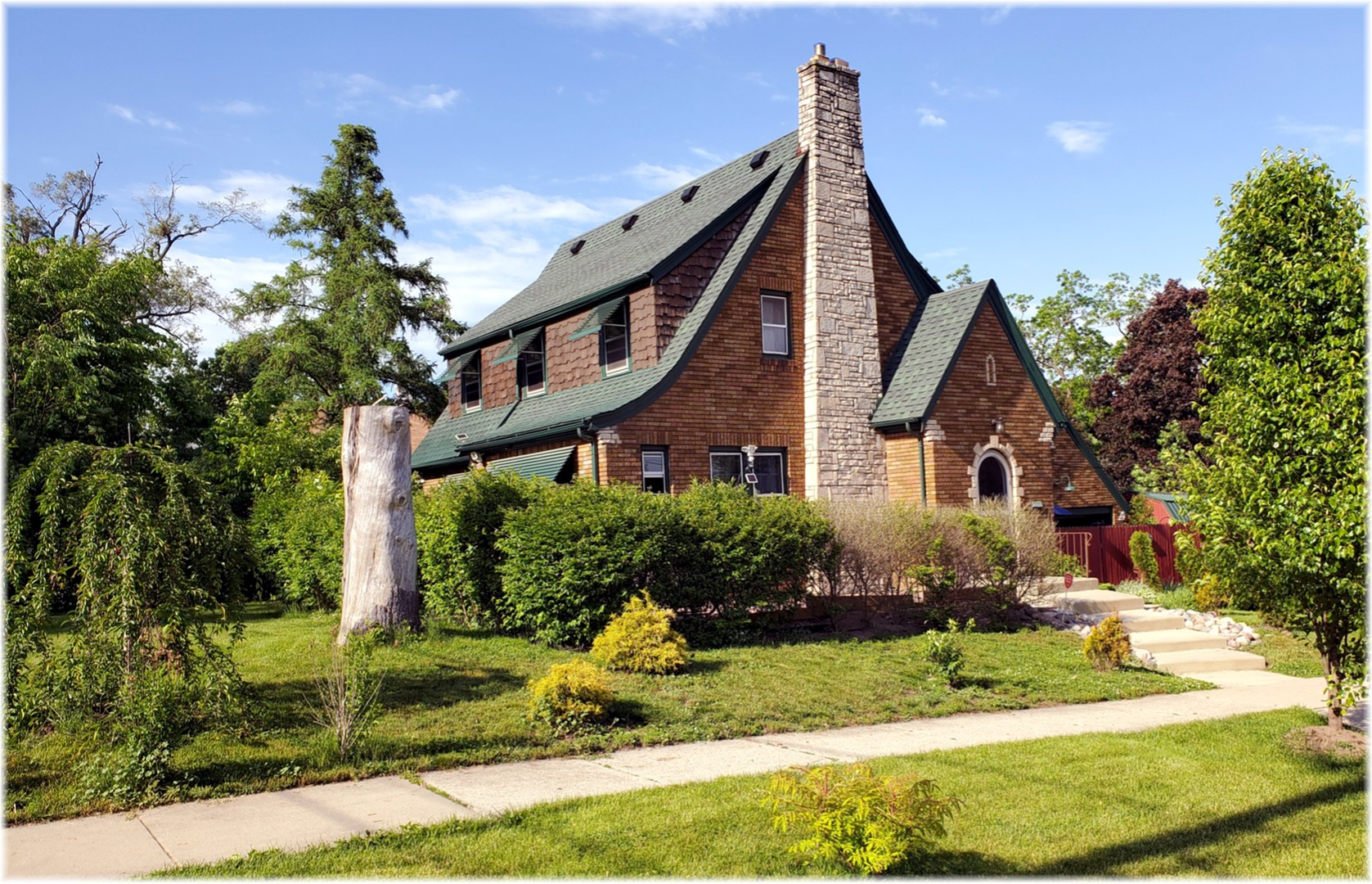 Photo for 68 Lord Street, Elgin, IL 60123 (MLS # 10732396)