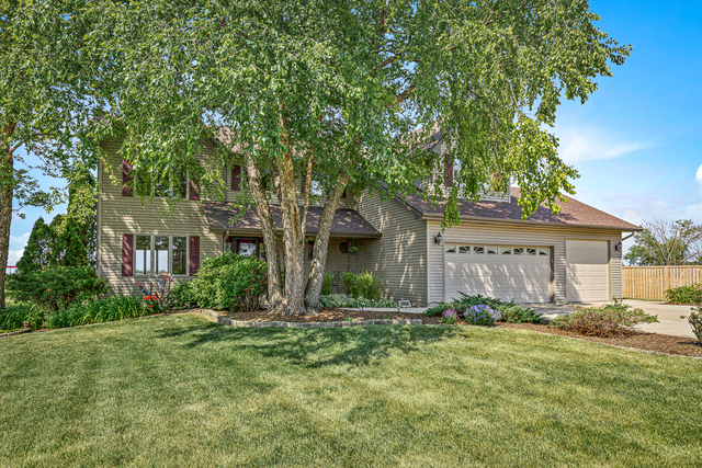 Photo for 46W430 Woodview Parkway, Hampshire, IL 60140 (MLS # 10753261)