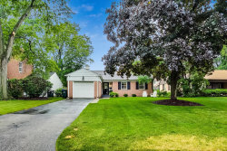 Photo of 850 Rolling Pass, Glenview, IL 60025 (MLS # 10769277)