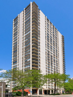 Photo of 1355 N Sandburg Terrace, Unit Number 1705, Chicago, IL 60610 (MLS # 10769444)