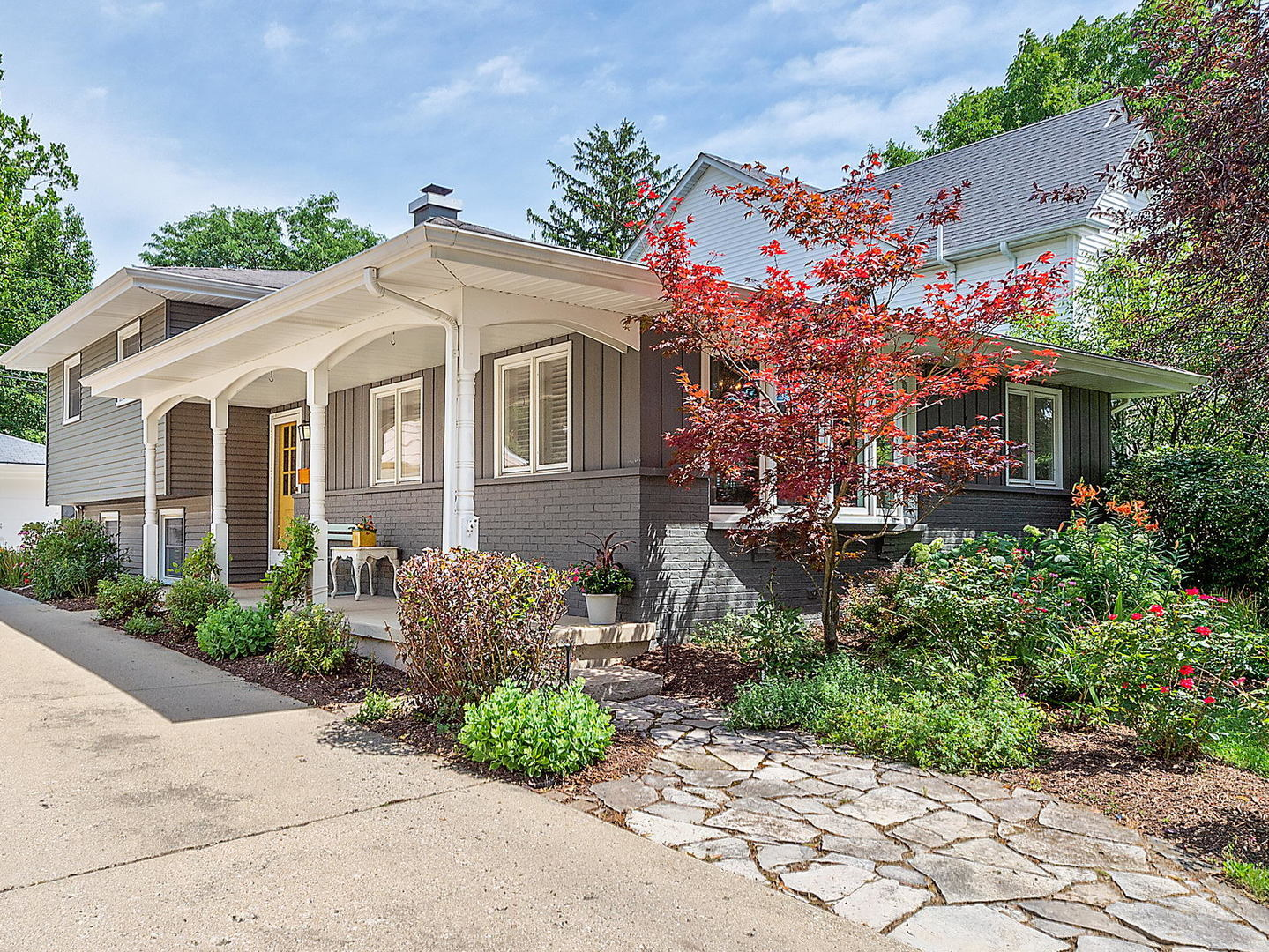 Photo for 512 Austin Street, Downers Grove, IL 60515 (MLS # 10791719)