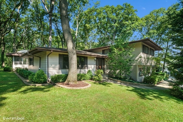 Photo for 3600 Woodland Lane, Downers Grove, IL 60515 (MLS # 10801399)