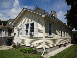 Photo of 916 Forest Avenue, Waukegan, IL 60085 (MLS # 10802604)