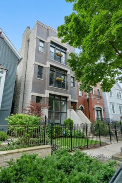 Photo of 3113 N Kenmore Avenue, Unit Number 1, Chicago, IL 60657 (MLS # 10810629)