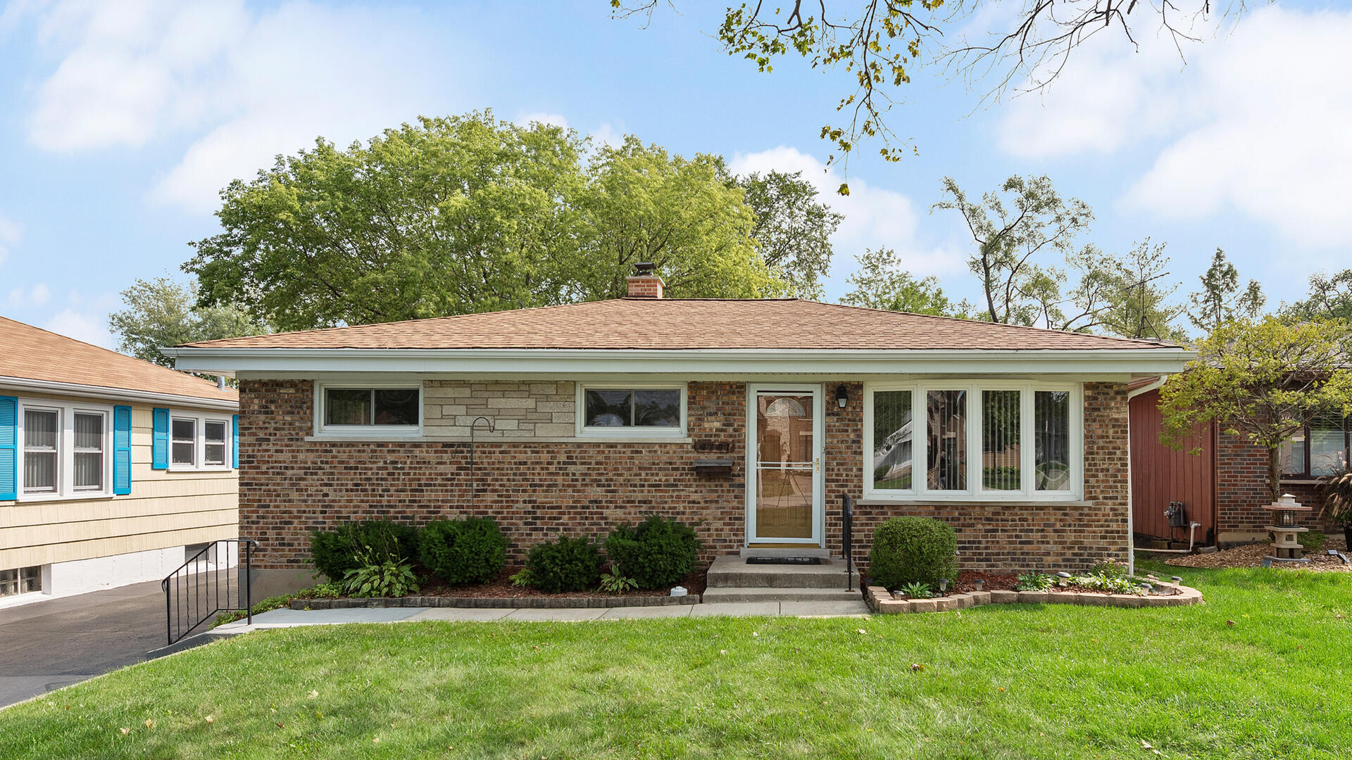 Photo for 4141 Lindley Street, Downers Grove, IL 60515 (MLS # 10815943)