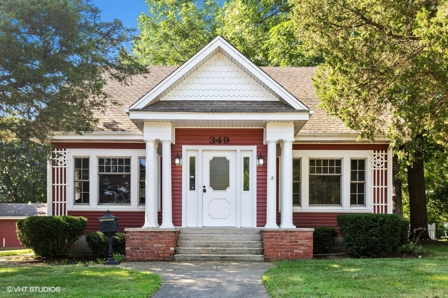 Photo for 349 W State Street, South Elgin, IL 60177 (MLS # 10820101)
